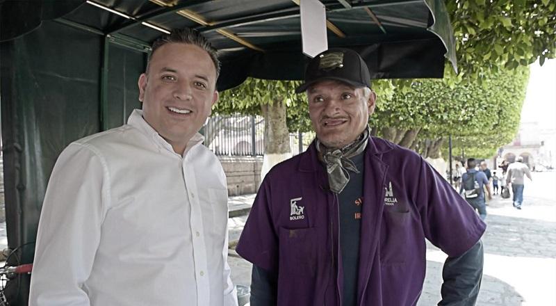 """Con el lema """"Visita Morelia y Disfruta"""", el legislador moreliano mantiene presencia en diversas avenidas para invitar a los turistas a visitar los sitios más representativos de la ciudad"""