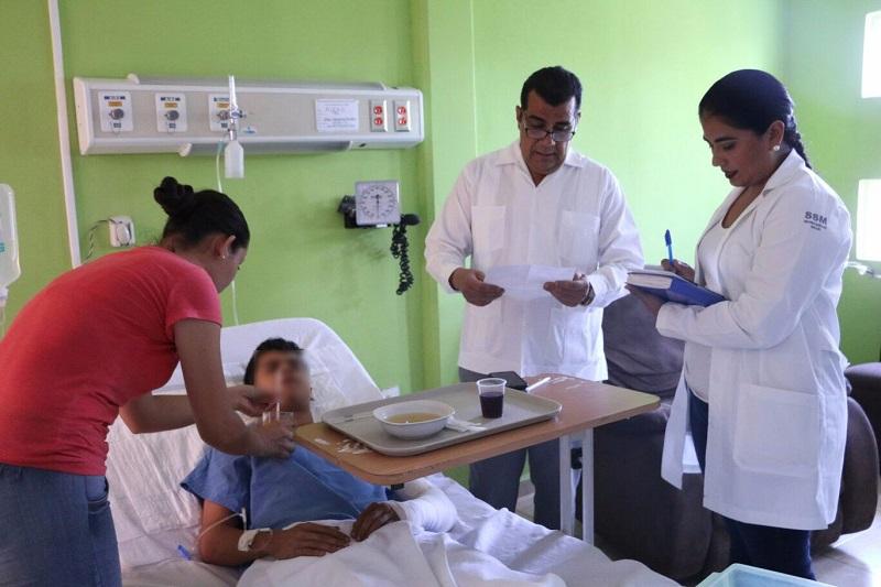 La Secretaría de Salud en Michoacán brinda apoyo a heridos del accidente en autopista Siglo 21