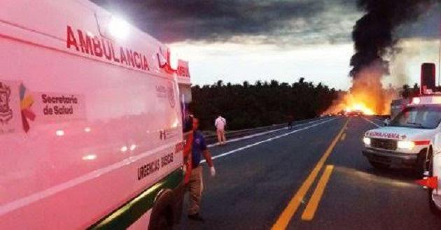 Se trata del tercer accidente protagonizado por una pipa en las últimas horas (FOTOS: FRANCISCO ALBERTO SOTOMAYOR)
