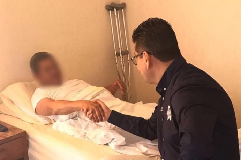 Acompañado por personal de la Dirección de Atención Física y Psicológica de la institución, el titular de la SSP refrendó a los policías su reconocimiento a la importante labor que realizan en favor de la población michoacana