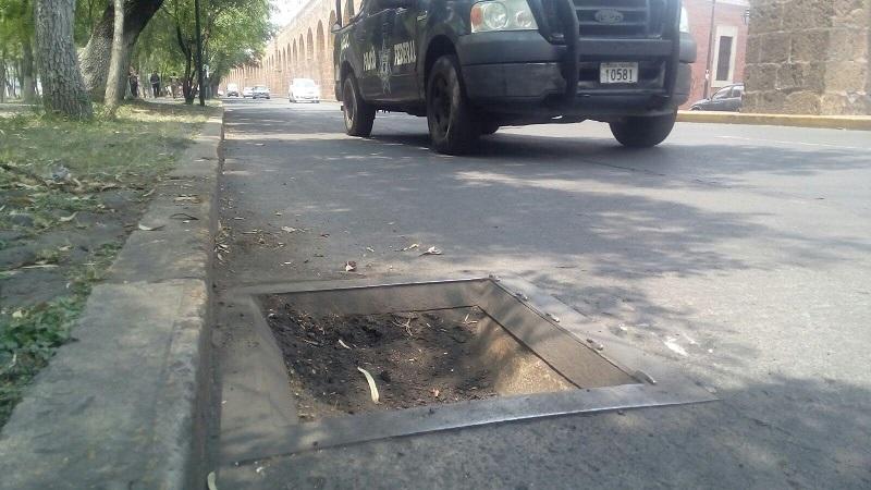 Vaya un llamado de atención al Ayuntamiento de Morelia para que atienda este reporte a la brevedad (FOTO: MARIO REBOLLAR)