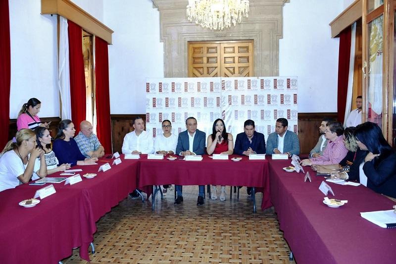 La propuesta es una iniciativa ciudadana que apunta al reconocimiento legal de la identidad de género de personas transexuales, y que ha recibido el respaldo de las diputadas Nayelli Pedraza, Yarabí Ávila y Eloísa Berber