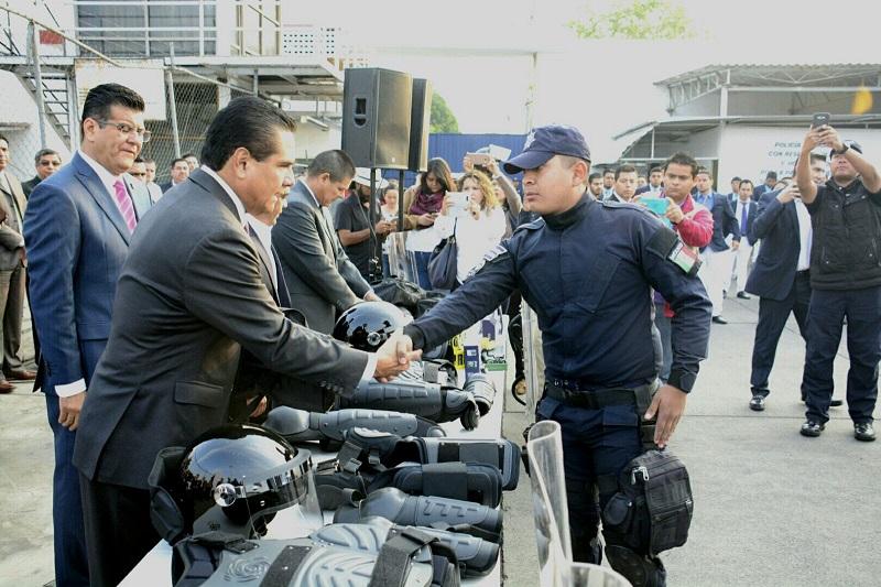 Silvano Aureoles destacó que poco a poco la Policía Michoacán se ha ganado el reconocimiento de las y los michoacanos por su profesionalismo