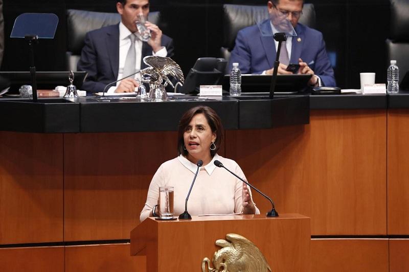 Calderón Hinojosa señaló que en diversas entidades federativas con el paso del tiempo se ha vulnerado la legislación en materia de coordinación fiscal, poniendo en riesgo la gobernabilidad en las demarcaciones territoriales municipales