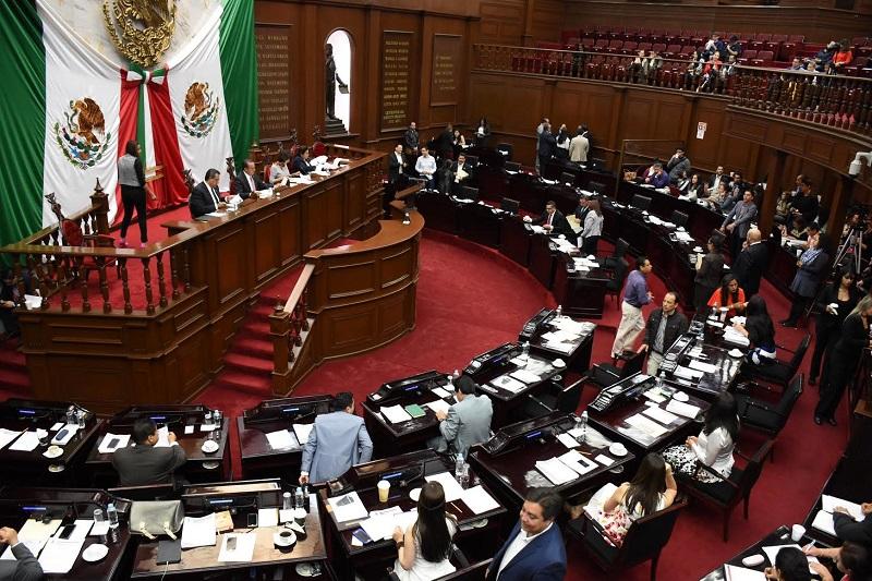 Las iniciativas fueron turnadas a las Comisiones de Puntos Constitucionales y Asuntos Electorales y Participación Ciudadana, para su estudio, análisis y dictamen