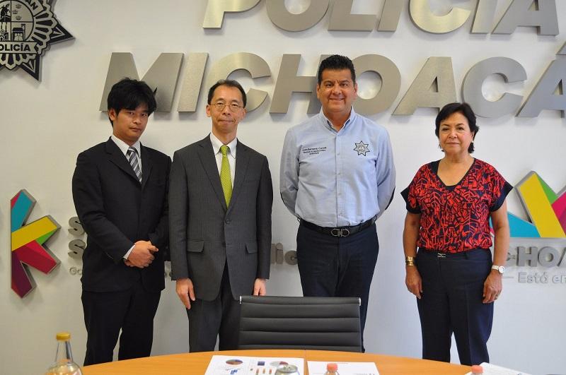 Durante la reunión el ministro japonés se refirió al apoyo y comunicación establecido con la SSP para brindar apoyo a empresas niponas en el país y no sufrir algún hecho delictivo en el trayecto carretero a sus embarcaderos en el puerto de Lázaro Cárdenas