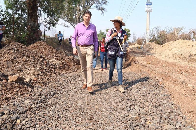 Martínez Alcázar supervisó la colocación de concreto hidráulico en la vialidad de San José del Cerrito primera etapa