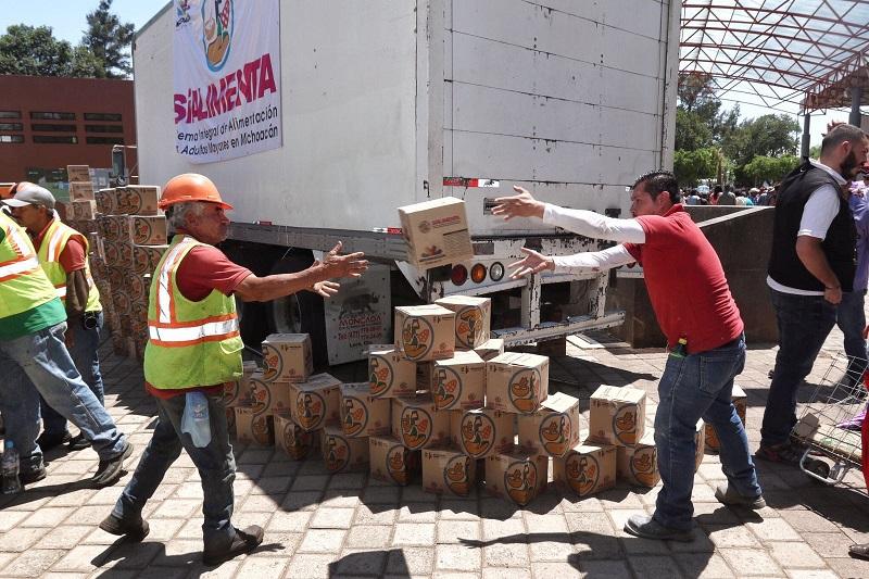 Con una inversión de 240 mil pesos, la Sepsol atiende a uno de los sectores más vulnerables de la comunidad de Cenobio Moreno, entregando apoyos alimenticios durante los 12 meses del año