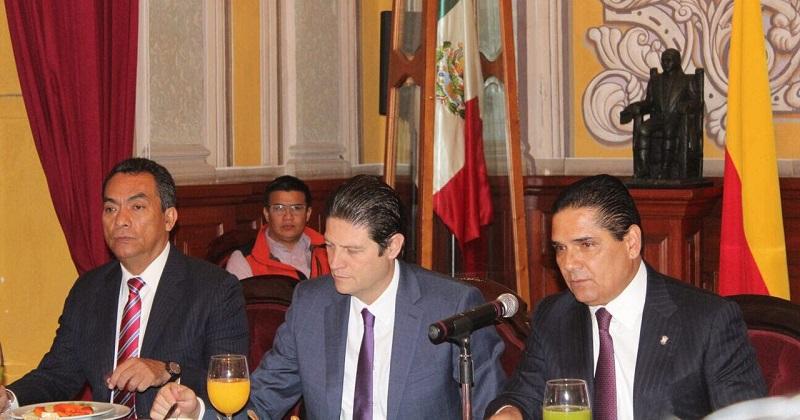 El Grupo de Coordinación que contempla la inclusión de los 3 niveles de Gobierno en temas de seguridad para la ciudad de Morelia, continúa fortaleciendo su comunicación y su coordinación, estableciendo una agenda de importantes temas a abordar