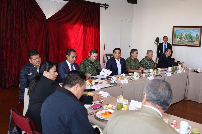El gobernador de Michoacán, Silvano Aureoles, encabezó la reunión semanal del GCM, en la que se revisaron las acciones para combatir los delitos, incluyendo los de índole ambiental