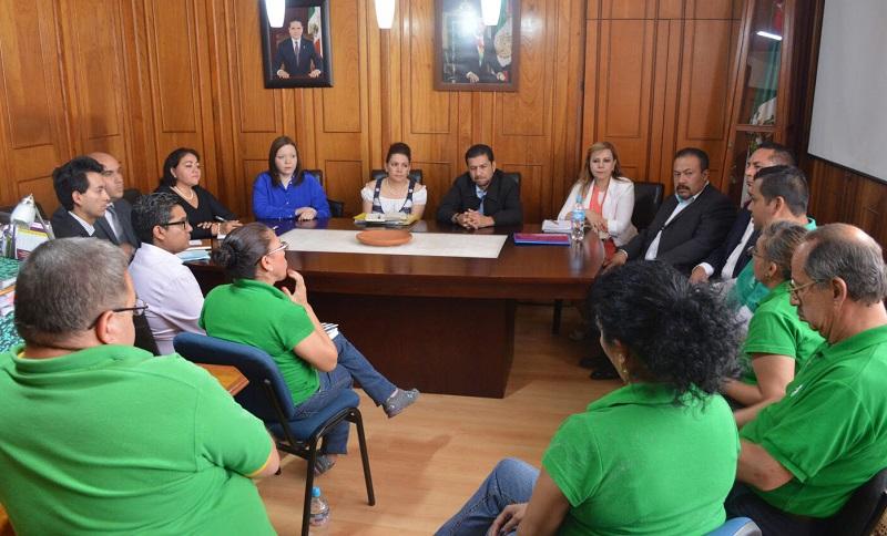 Estrada Esquivel reiteró su disposición al diálogo, elemento que invariablemente debe ser el mecanismo más eficaz para encontrar la solución a los problemas que se presenten en la Secretaría de Contraloría de Michoacán