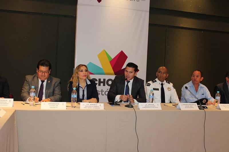 """El comisionado de Atención a Víctimas, Abraham Montes Magaña, expresó que """"no podemos quedarnos callados ante hechos como el aumento de suicidio en adolescentes, el ciberbullying o el cutting"""