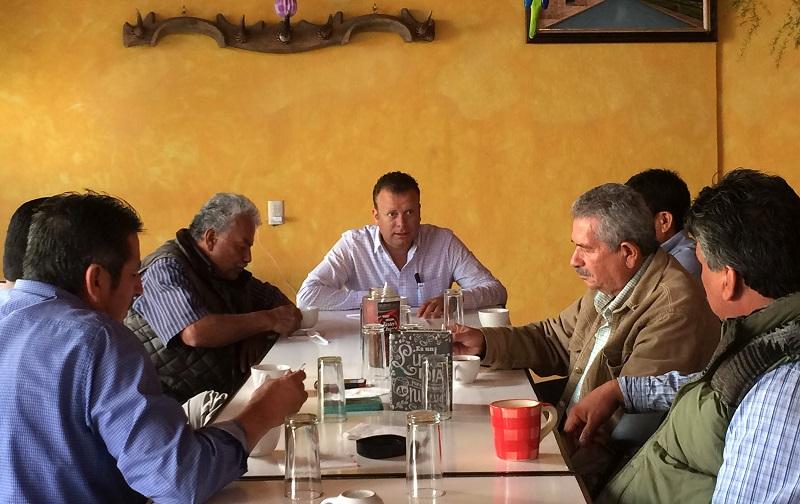 """""""La propuesta es que haga todo lo posible para que los camiones estén en orden y eviten hacerse acreedores a una infracción por Tránsito Municipal al aplicarles el artículo 56, fracción I"""", expuso Vega Solórzano"""