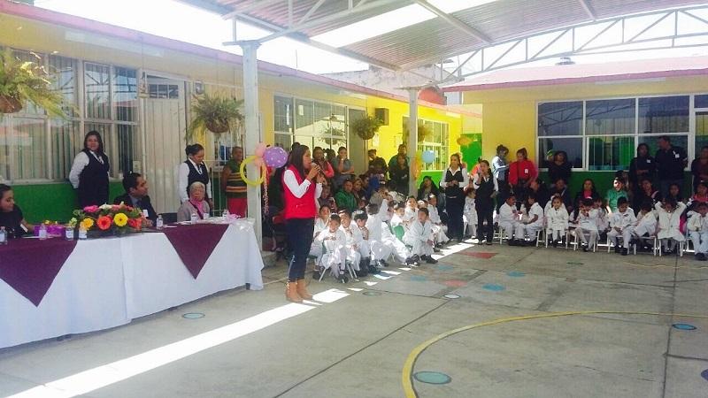 Ayudar a abatir la desnutrición y con ello mejorar proceso cognitivo, es el objetivo: Bernal Martínez