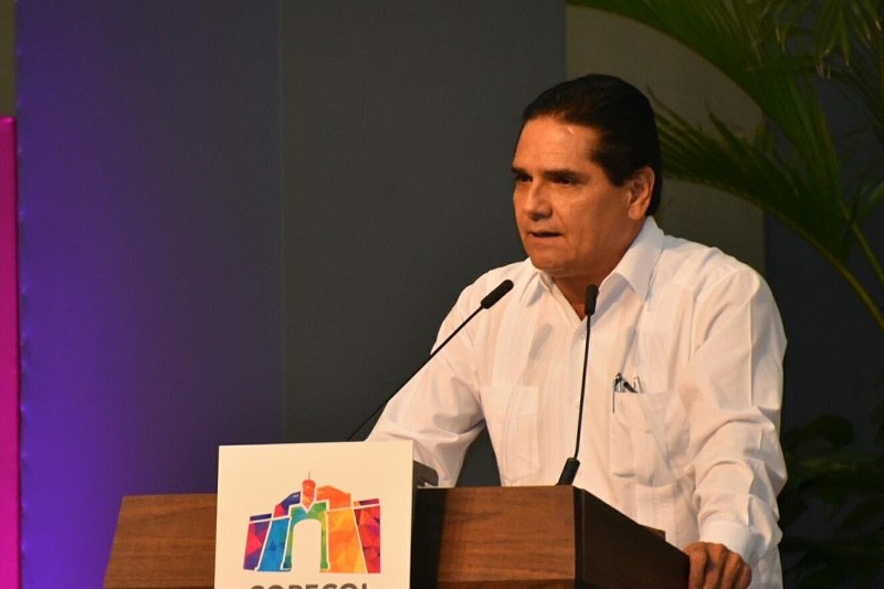Silvano Aureoles compartió con las y los asistentes que a su llegada a la administración estatal, se propuso tres grandes retos: ordenar las finanzas públicas, mejorar la calidad de la educación pública y atender la seguridad pública