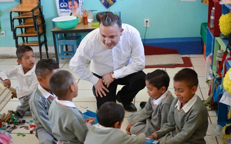 Quintana Martínez pidió a las instancias estatales y municipales responsables, asumir un mayor compromiso para que ningún pequeño tenga que salir a trabajar para solventar necesidades como el alimento o la educación
