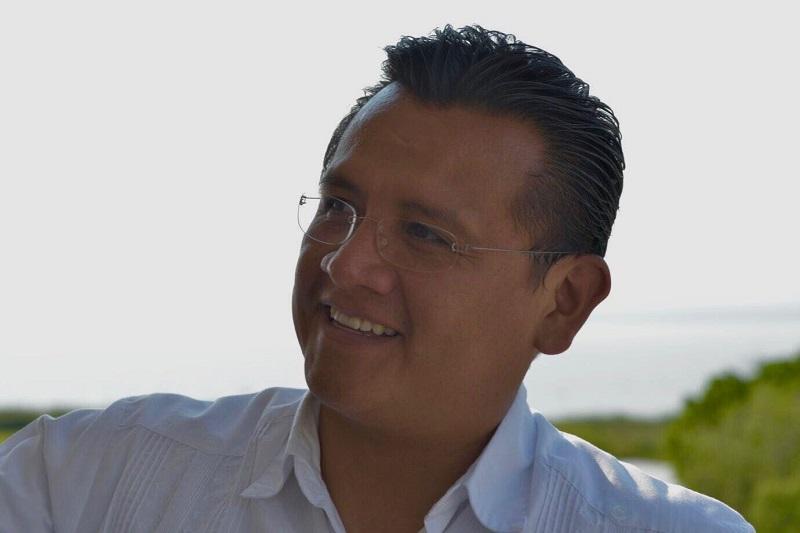 """""""Desde el surgimiento del PRD hemos acompañado en sus luchas a toda la clase trabajadora del país, por nuestra convicción de izquierda política y social"""", dijo el dirigente Carlos Torres Piña"""