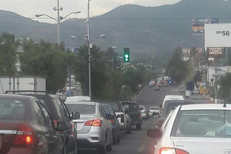 """El Ayuntamiento de Morelia """"inyectará"""" 5 mdp para evitar que la operatividad de los más de 180 semáforos que son operados por el municipio, colapsen y puedan incluso provocar en determinado momento un caos severo en la capital michoacana"""