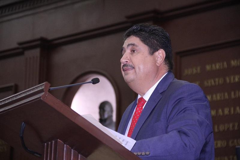 La Iniciativa fue turnada a las Comisiones Unidas de Puntos Constitucionales y de Régimen y Prácticas Parlamentarias, para su estudio, análisis y dictamen