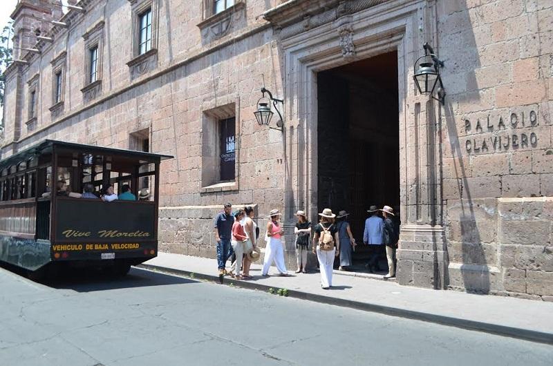 Aquique Arrieta agregó que como parte importante de los atractivos turísticos de la ciudad, el encendido de Luces de Catedral volvió a superar las expectativas de afluencia por tratarse de un producto único que se ha convertido ya en un símbolo para Morelia