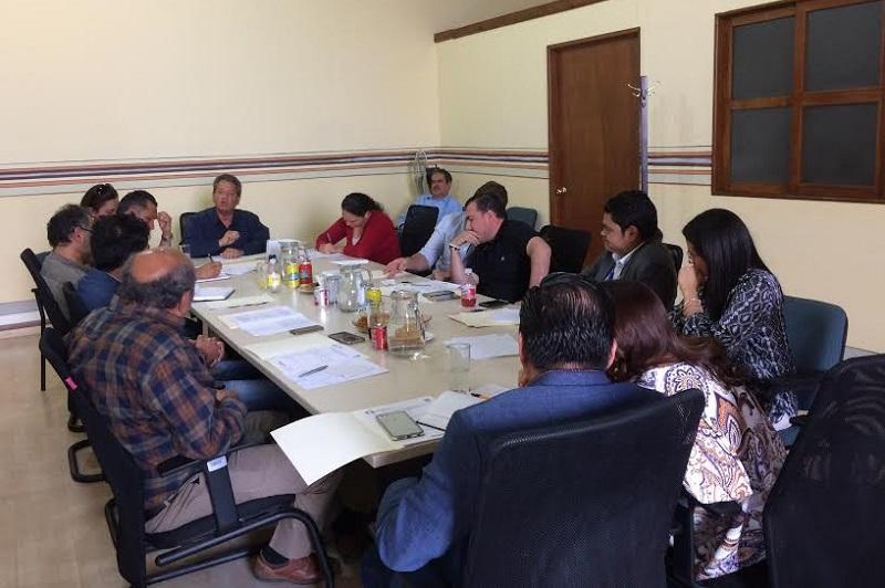"""""""Los desechos contaminan el Arroyo de Tierras, pues no hay eficiencia en el funcionamiento de la planta de tratamiento de aguas residuales"""", comentó Juan Carlos Vega"""