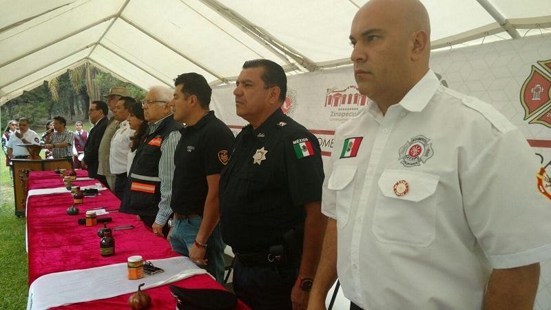 """En la convención se realizarán talleres y conferencias magistrales, así como la práctica en el """"simulador de fuego real"""" de los Bomberos de la Ciudad de México, prácticas de rescate vehicular, laboratorio del fuego, seguridad vial y manejo de vehículos de emergencia por elementos de la Policía Federal, entre otros"""