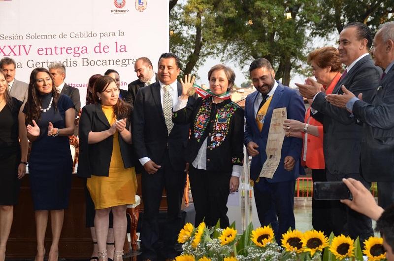 La periodista enaltece la figura de Gertrudis Bocanegra, según Víctor Báez