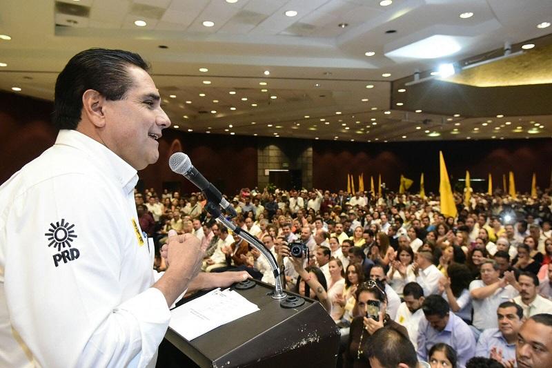Silvano Aureoles enfatizó que es urgente y necesario un cambio en el régimen presidencialista que tiene esta nación, un régimen agotado que ya no representa la aspiración y deseos de la mayoría de los mexicanos y mexicanas