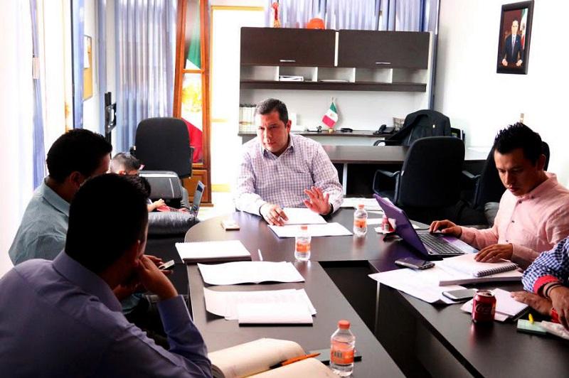 Barragán Vélez explicó que durante la mesa de trabajo se revisaron una serie de planteamientos para mejorar las condiciones laborales de la plantilla de los docentes, para llegar a acuerdos que favorezcan al desarrollo del Telebachillerato