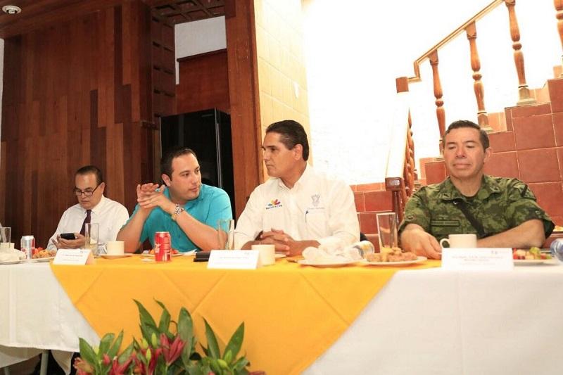 Como muestra de lo anterior, tan sólo en el municipio de Los Reyes, en la última semana fueron liberadas dos personas y detenidas tres por este ilícito, expuso el mandatario estatal