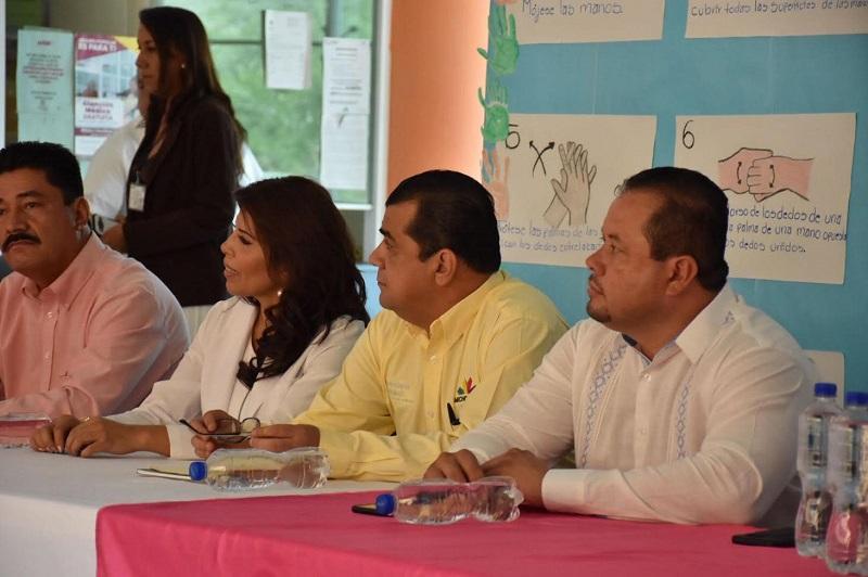 El diputado por el distrito de Huetamo, por su parte, reconoció el apoyo brindado por el gobernador Silvano Aureoles Conejo y el recién nombrado titular de la SSM, Elías Ibarra