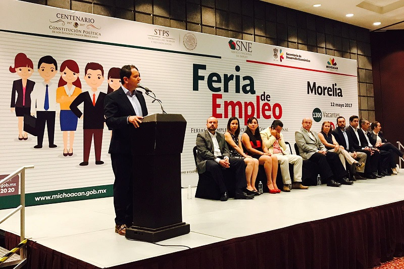 Durante la inauguración de la Feria de Empleo Morelia 2017, el titular de la Sedeco indicó que el 98.5% de los trabajos que se generan en Michoacán son producidos por los microempresarios