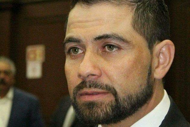 López Meléndez recordó que el grupo parlamentario del PRD en su momento alzó la voz en el Congreso del Estado para solicitar a la federación para que se desistiera de la acción penal en contra de Mireles Valverde