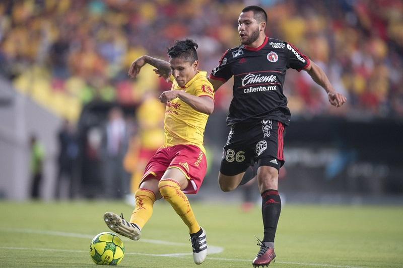 Ruidíaz ya venía arrastrando las molestias en la rodilla izquierda y durante el partido ya no pudo más