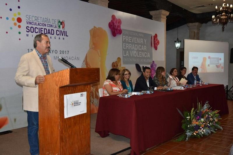 Silva Tejeda aseveró que eventos como éste son de suma importancia para la vida democrática de las michoacanas