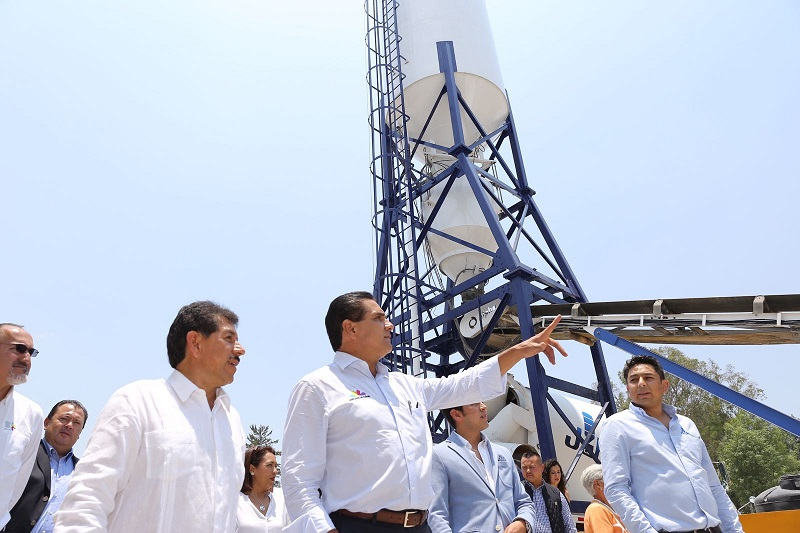 Además, el gobernador cumple el sueño de miles de zitacuarences al rehabilitar la Unidad Deportiva, en la tenencia de San Juan Zitácuaro