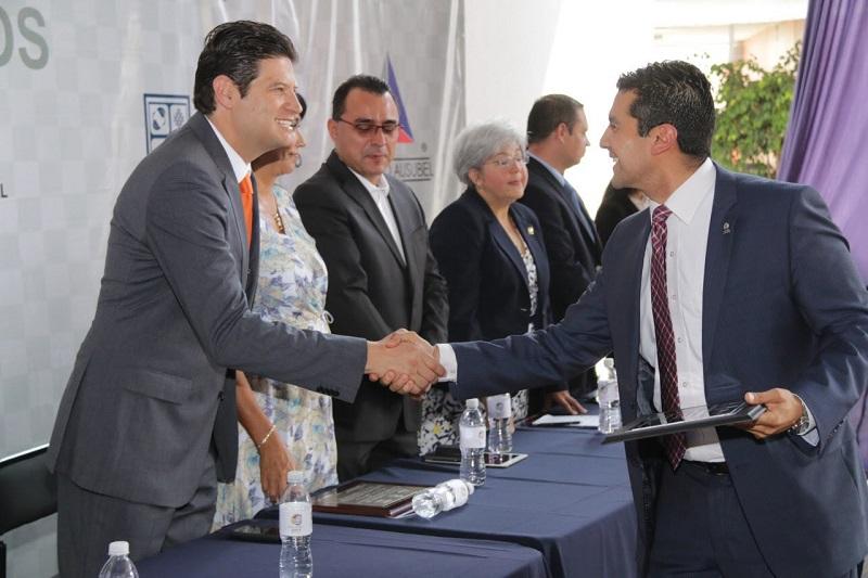 Martínez Alcázar encabezó la Inauguración del debate interescolar Diálogos 2017