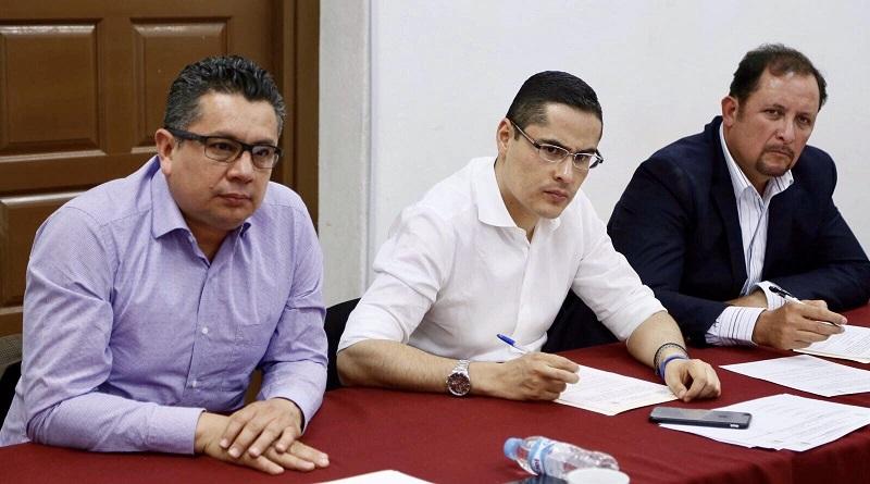 Miguel Ángel Villegas agregó que con esta Iniciativa se propone que los recursos de la segunda parte del Fondo de Gasolinas y Diesel, provenientes del 20 por ciento del Fondo de Compensación, sean distribuidos entre los 30 municipios con mayor rezago social