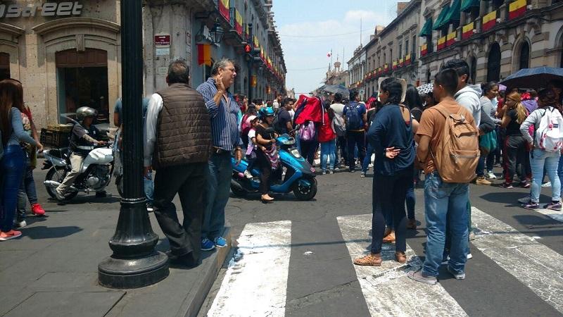 Los manifestantes advierten que de no ser atendidas sus exigencias el próximo paso será la toma de carreteras (FOTO: FRANCISCO ALBERTO SOTOMAYOR)