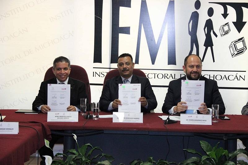 El consejero presidente del IEM, Ramón Hernández Reyes, comentó que para el Instituto es muy importante la firma de este convenio, el cual debe ser traducido en acciones para garantizar y potenciar los derechos electorales de los michoacanos de manera incluyente