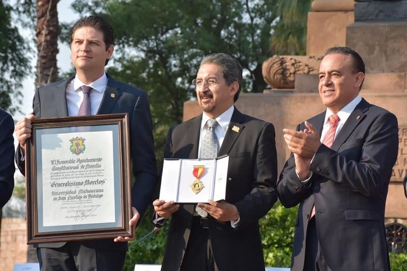 El Poder Legislativo celebró que haya sido condecorada la Universidad Michoacana