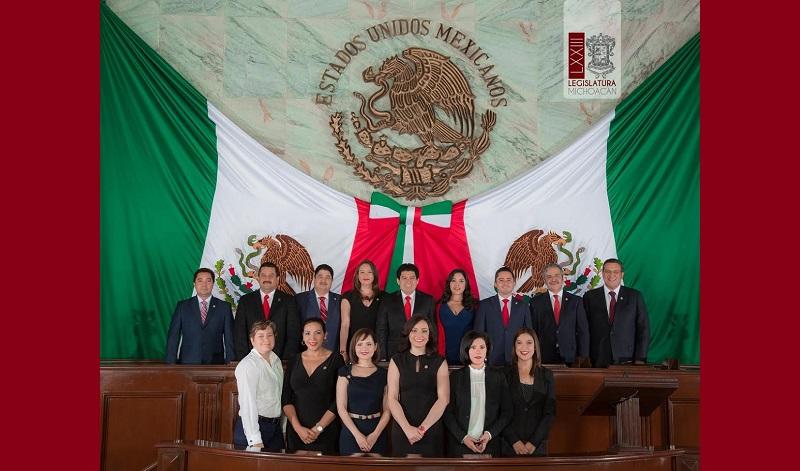 Los diputados del tricolor exigieron la actuación determinante y coordinada de los órdenes de gobierno y las instituciones del Estado, para detener la ola de violencia  que padecen los michoacanos que tiene en condición crítica la productividad y el desarrollo de la sociedad