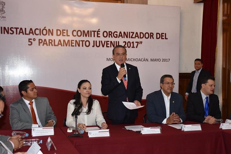 Por su parte, Daniel Moncada, Presidente de la Comisión de Jóvenes, recordó a partir del año pasado las iniciativas presentadas por los jóvenes se han integrado a la agenda del Congreso, procurando así motivar su interés para participar en las decisiones legislativas