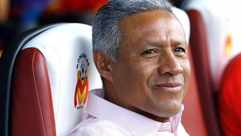 Hernández llegó para la Jornada 6, tras la salida de Pablo Marini, y bajo su mando el Monarcas solo perdió tres partidos, empató cuatro y ganó cinco, resultados con los que consiguió salvarse del descenso de último minuto