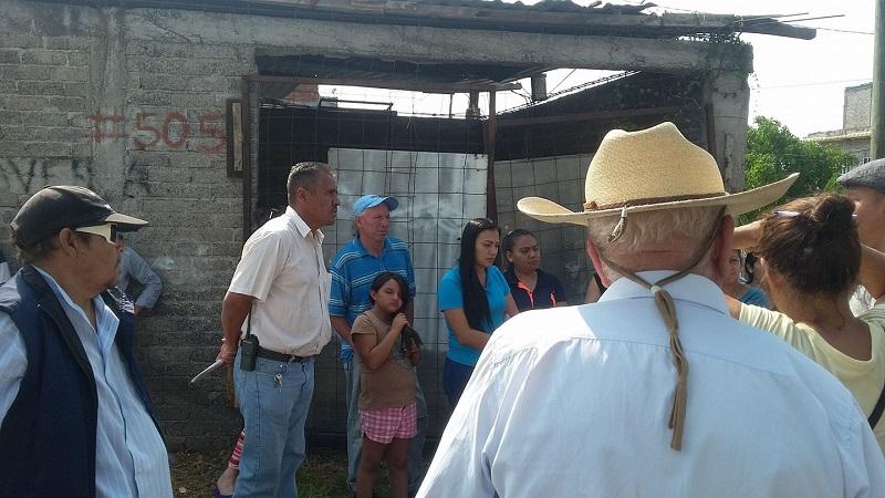 En cuanto a la posibilidad de enviar pipas de agua a las familias afectadas, el empleado del OOAPAS señaló que el fin de semana no será posible, por lo cual los vecinos tendrán que esperar en todo caso hasta el lunes (FOTO: ALEJANDRA ORTEGA)