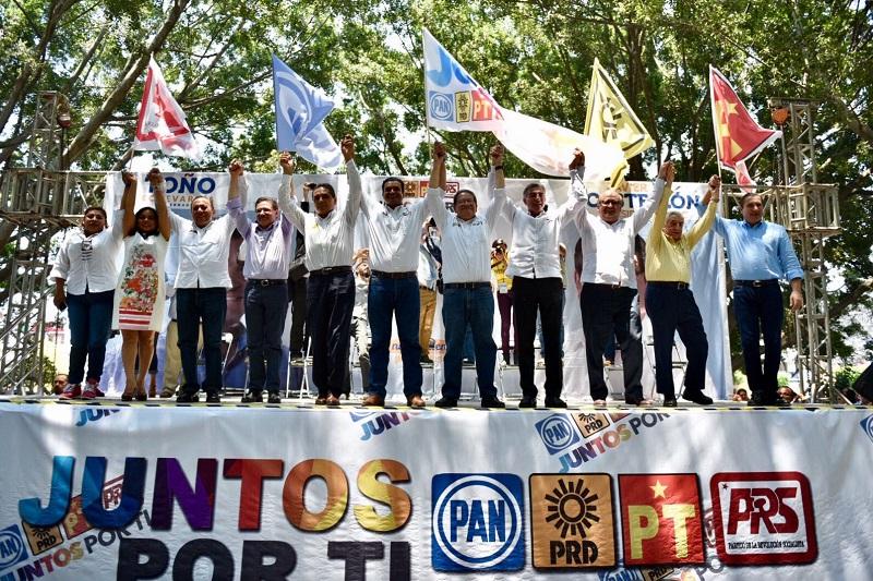 El michoacano –quien acudió al evento a invitación de la militancia nayarita- subrayó que la pluralidad y apertura que caracteriza al PRD es la base de lo que las y los habitantes de esta entidad necesitan para salir adelante