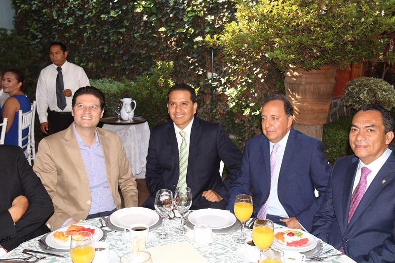 Reconoce Alfonso Martínez importancia social de los medios de comunicación