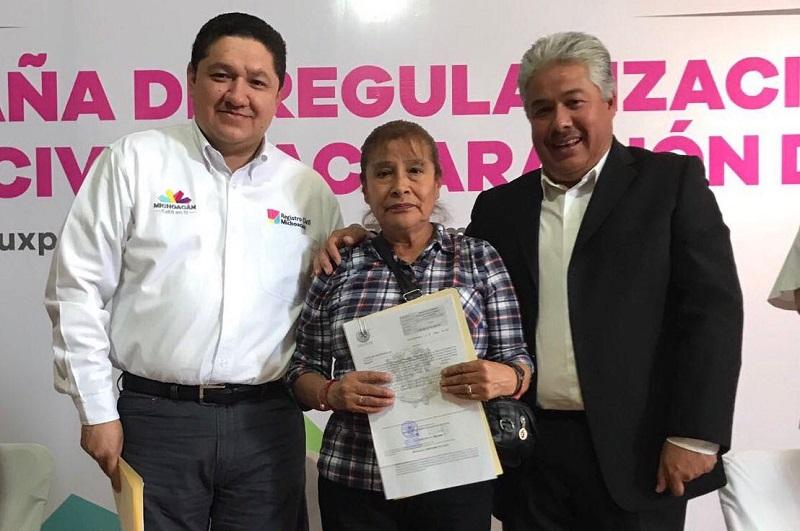 A decir de Gama Coria, estas campañas se celebran gracias al subsidio estatal derivado del Programa de Atención a Grupos Vulnerables, signado por el gobernador, Silvano Aureoles