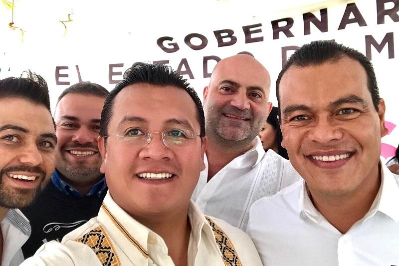 Carlos Torres Piña indicó que según las encuestas, Zepeda es el único que capitaliza la baja de otros, ya que por ser un candidato joven, honesto y de resultados, está atrayendo la simpatía de los mexiquenses