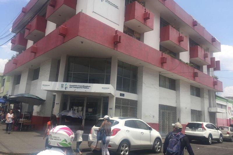 El titular de la Cocotra, Marco Antonio Lagunas, informó que las demandas de los trabajadores sindicalizados quedaron resueltas, por lo que en las primeras horas de esta tarde quedaron liberadas las oficinas